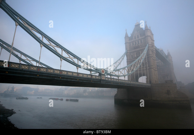 Fog and tower bridge stock photos fog and tower bridge for Design agency london bridge