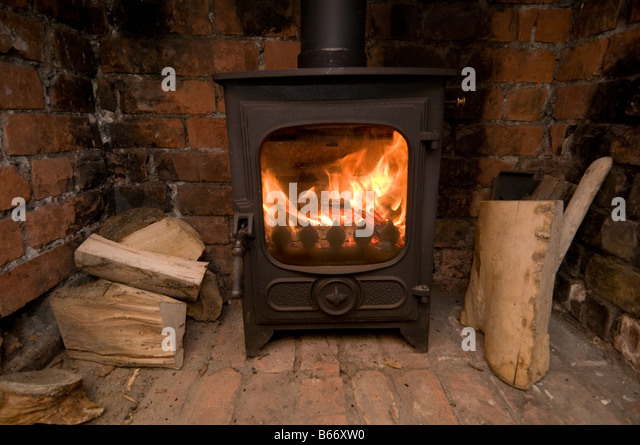 Fuel For Wood Burning Stove Stock Photos & Fuel For Wood Burning ...