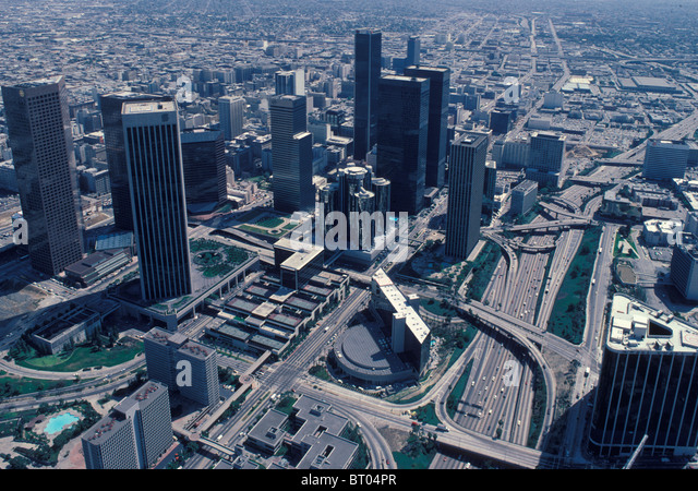 downtown-los-angeles-skyline-in-1984-yea