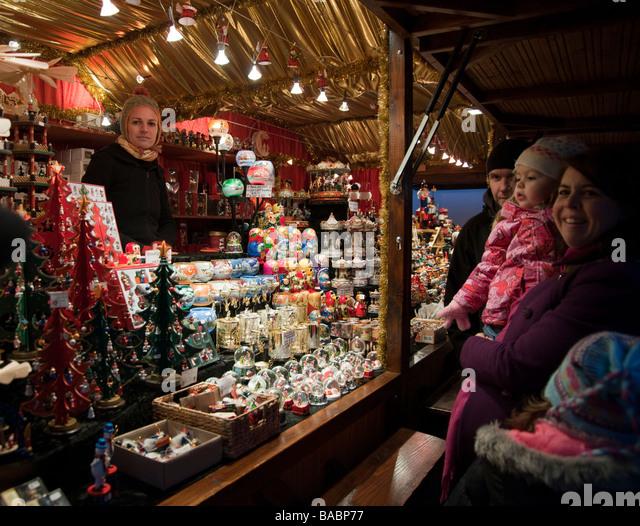 Edinburgh Craft Market Stalls For Sale
