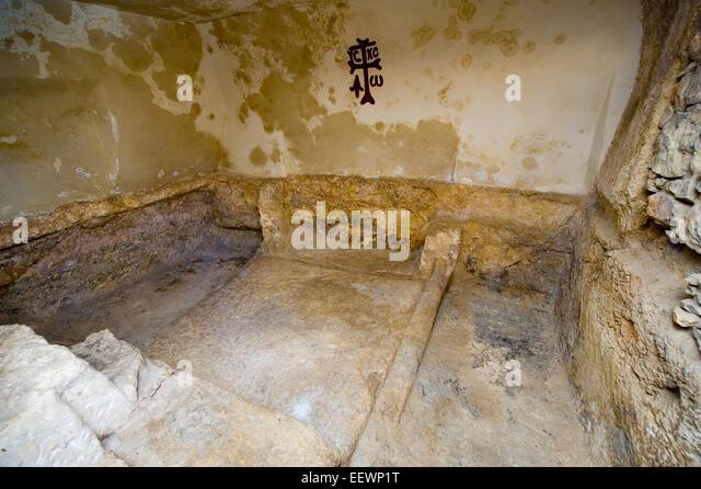 garden tomb stock  garden tomb stock images alamy