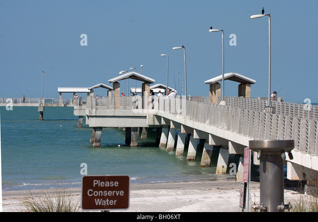 Pier fort stock photos pier fort stock images alamy for Fort desoto fishing pier