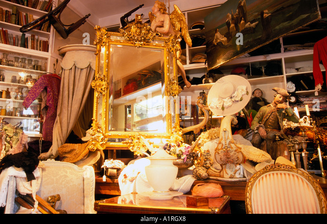 antiquitaeten geschaeft stock photos antiquitaeten geschaeft stock images alamy. Black Bedroom Furniture Sets. Home Design Ideas