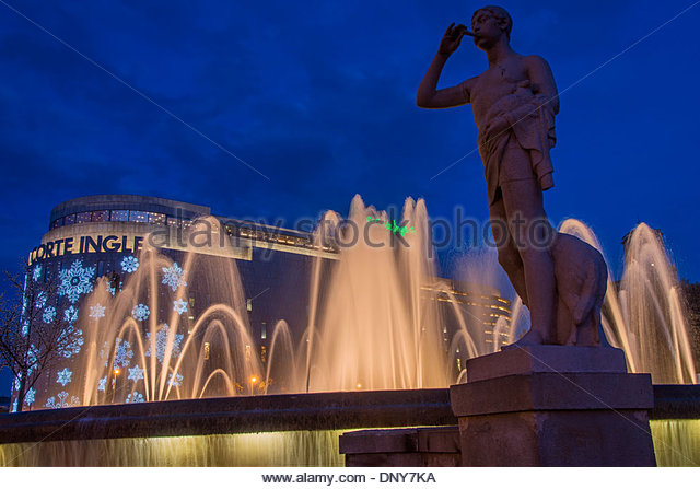 Corte stock photos corte stock images alamy - El corte ingles plaza cataluna barcelona ...