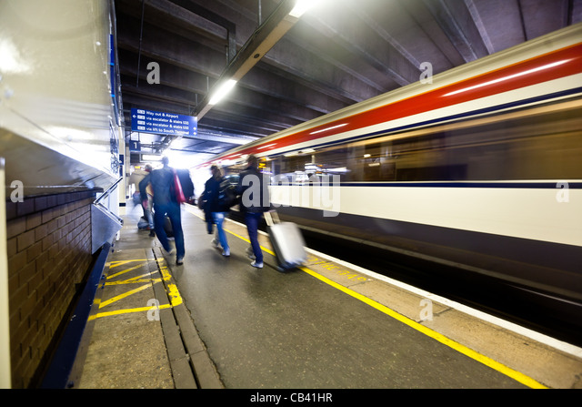 how to get from gatwick to london victoria