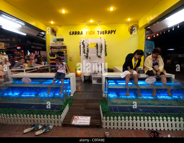 Fish spa stock photos fish spa stock images alamy for Fish pedicure dc
