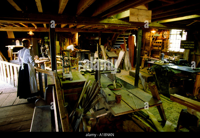 Woodworker Historical Stock Photos & Woodworker Historical Stock Images - Alamy