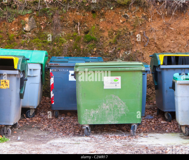 Bins road stock photos bins road stock images alamy - Rd rubbish bin ...
