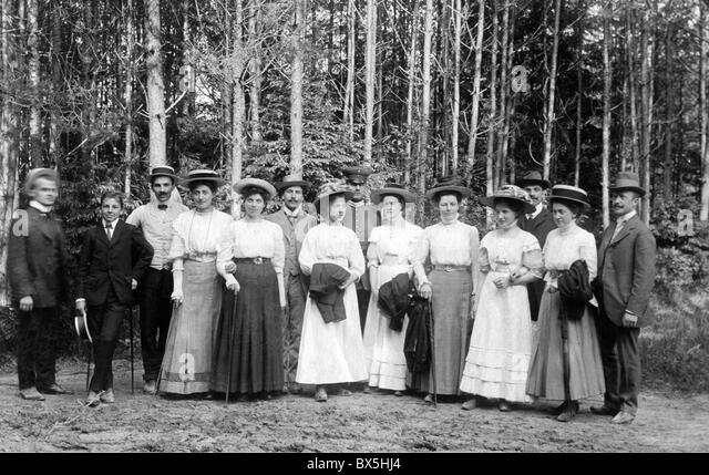 womens groups in the twentieth century essay Women in early 20th-century experimental psychology  in the younger groups,  girls outperformed boys, whereas the reverse was true for the oldest children   smith kept herself awake by reading, marking essays, knitting, and working out.