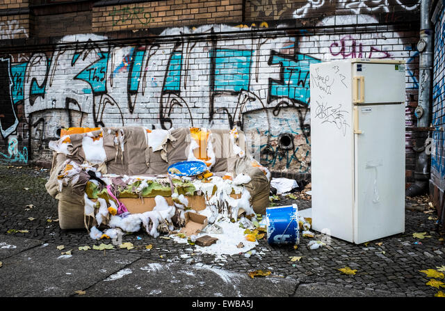 Bulky waste stock photos bulky waste stock images alamy - Rd wastebasket ...