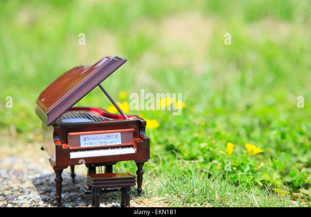 Miniature Piano Stock Photos Amp Miniature Piano Stock