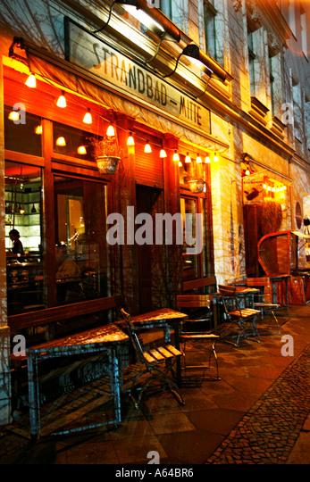 Cafe Mit Liegest Ef Bf Bdhlen Berlin