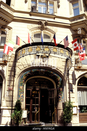 Pariz stock photos pariz stock images alamy for Europe hotel prague