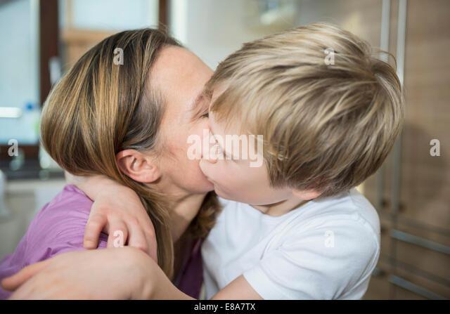 mom son nude kiss photos