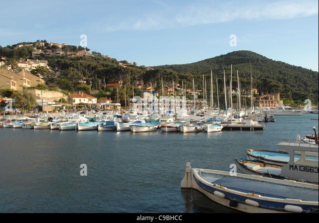 St cyr stock photos st cyr stock images alamy - Port de la madrague saint cyr sur mer ...