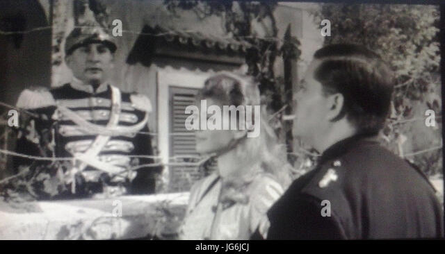 Renato Rascel, Claudia Mori e Tino Buazzelli in una scena del film  Il Corazziere - Stock Image