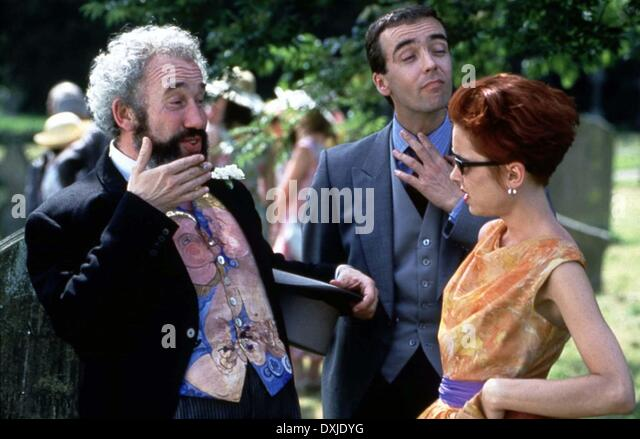 Simon callow four weddings stock photos simon callow for Four weddings and a funeral director mike