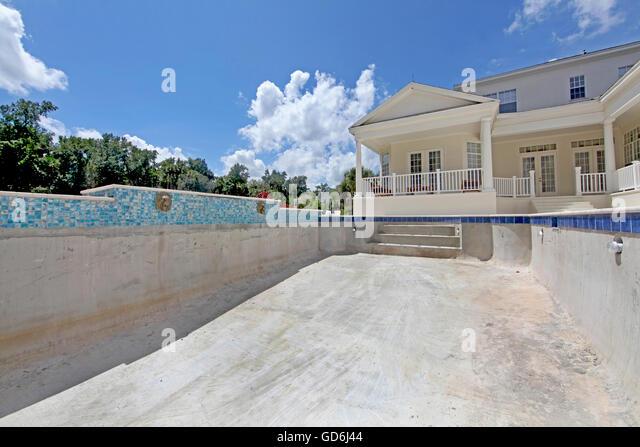 Florida construction stock photos florida construction for Tallahassee pool builders