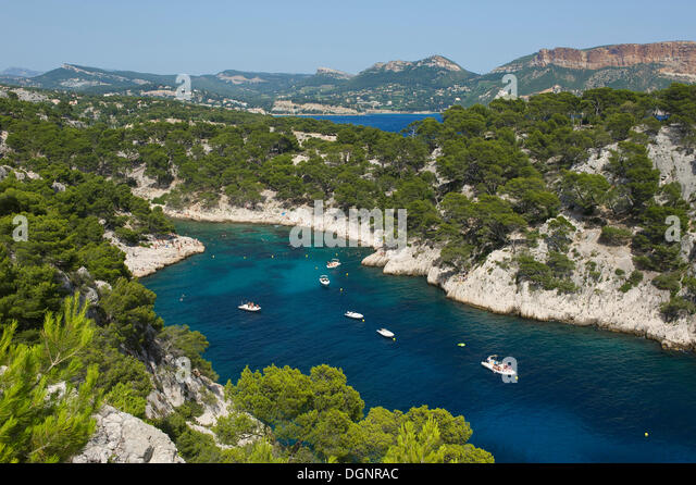Calanques stock photos calanques stock images alamy for Departement bouche du rhone