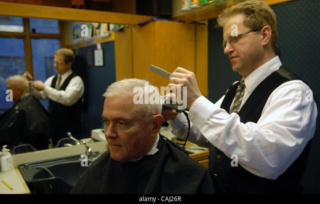 Barber Shop Edison Nj : Hair Artist And Master Barber Rob Ferrel Cut The Likeness Of Argentine ...