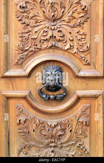 Old Door Or Doorway And Antique Knocker Resembling A Lion S Head Place Des  Trois Ormeaux Stock Photos. Amazing Chic ...