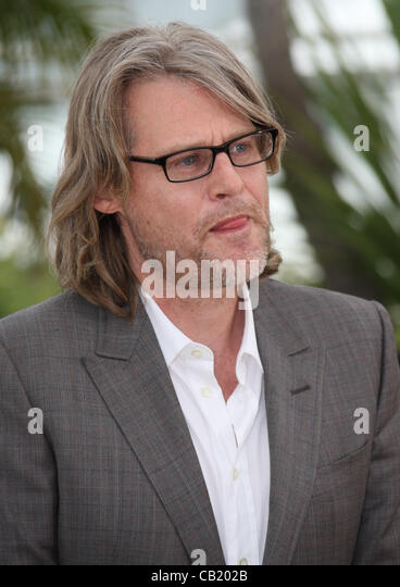 <b>ANDREW DOMINIK</b> KILLING THEM SOFTLY PHOTOCALL CANNES FILM FESTIVAL 2012 ... - andrew-dominik-killing-them-softly-photocall-cannes-film-festival-cb202b