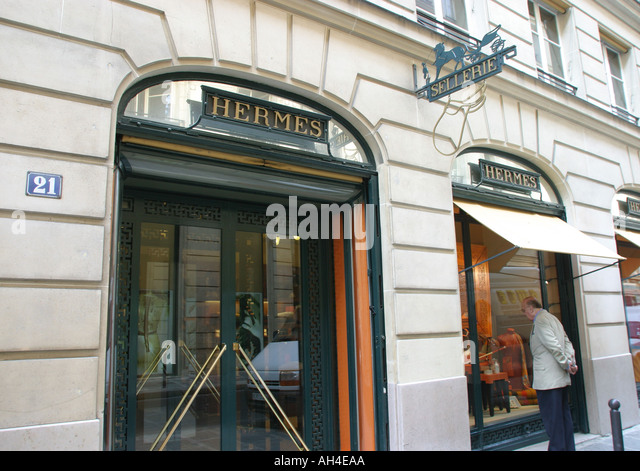 hermes shop paris stock photos hermes shop paris stock. Black Bedroom Furniture Sets. Home Design Ideas