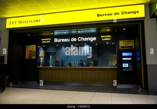 currency exchange kiosk stock photos currency exchange kiosk stock images alamy. Black Bedroom Furniture Sets. Home Design Ideas