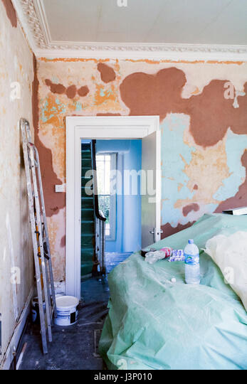 Plastering diy stock photos plastering diy stock images for Renovating a victorian terraced house