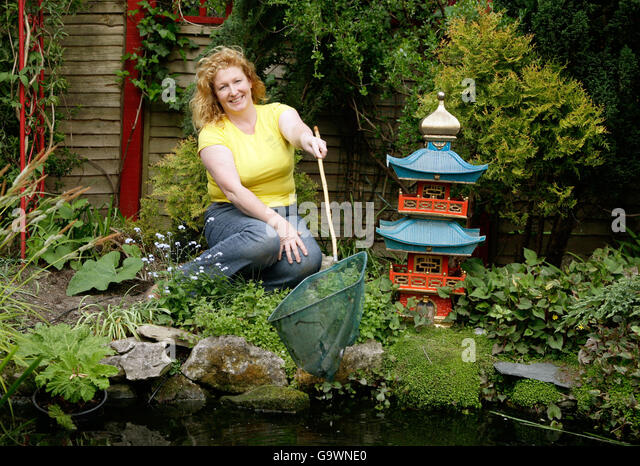 Charlie Dimmock Garden Stock Photos Charlie Dimmock