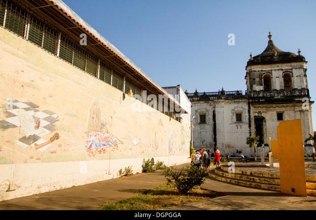 Memorian stock photos memorian stock images alamy for Mural nicaraguense