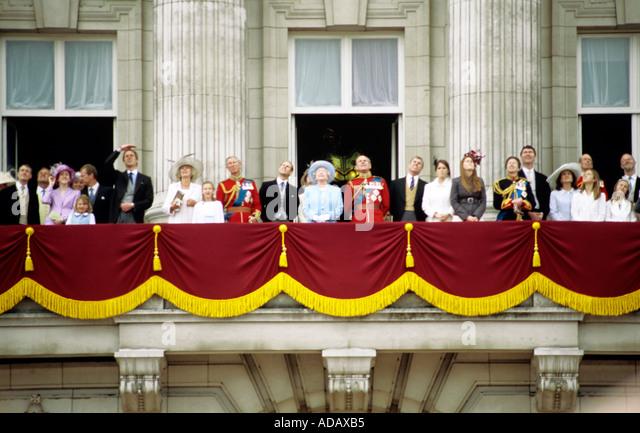 Balcony london stock photos balcony london stock images for Queen on balcony