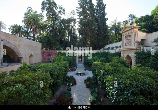 Seville alcazar gardens stock photos seville alcazar for Jardin ingles