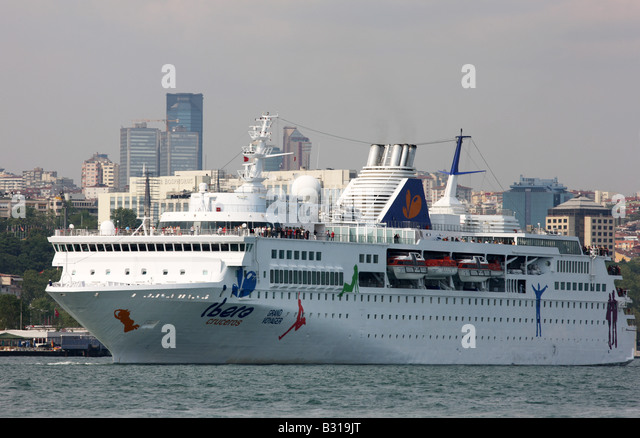 Grand Voyager Stock Photos Grand Voyager Stock Images Alamy - Grand voyager cruise ship