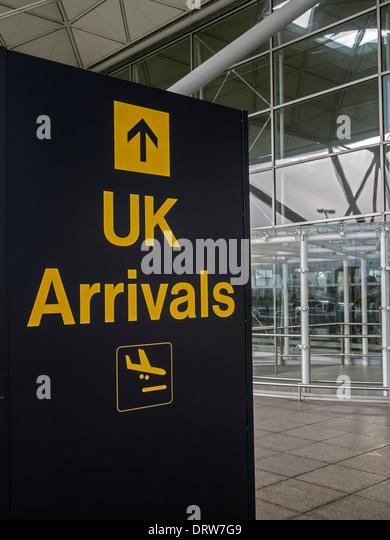 arrivals airport uk stock photos arrivals airport uk stock images alamy. Black Bedroom Furniture Sets. Home Design Ideas
