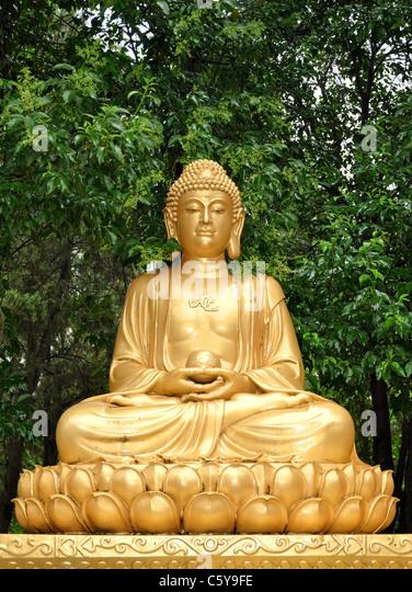 Buddhist Statue Meditating Stock Photos Amp Buddhist Statue