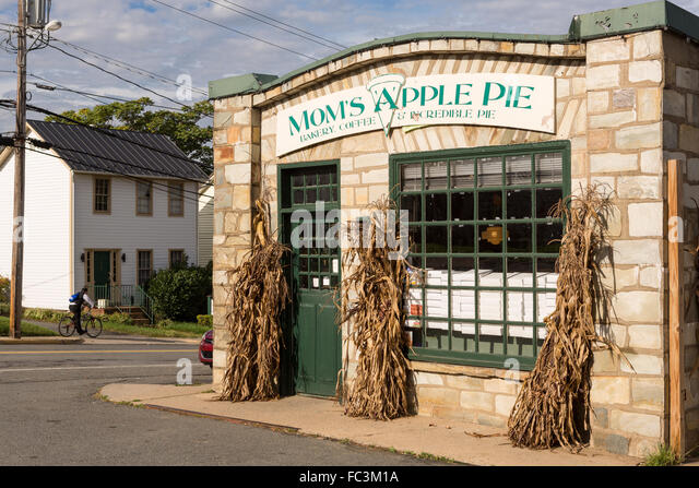 Moms Apple Pie Stock Photos & Moms Apple Pie Stock Images ...