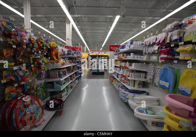 Walmart Supercentre In Kitchener Ontario Stock Photos & Walmart ...