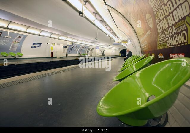 Ternes Stock Photos & Ternes Stock Images - Alamy