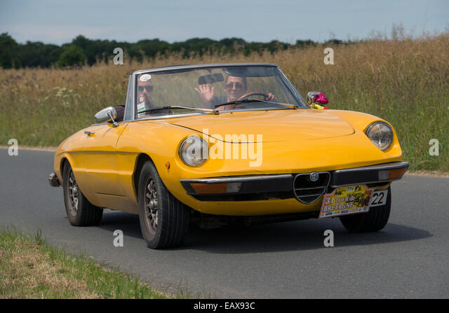 alfa romeo giulietta spider stock photos alfa romeo giulietta spider stock images alamy. Black Bedroom Furniture Sets. Home Design Ideas