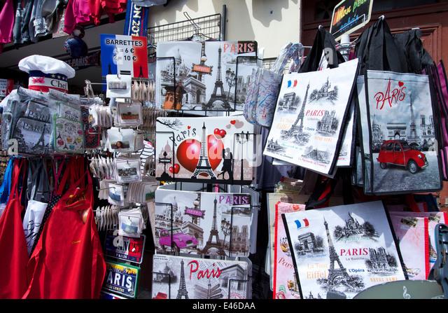 souvenir shop paris stock photos souvenir shop paris stock images alamy. Black Bedroom Furniture Sets. Home Design Ideas