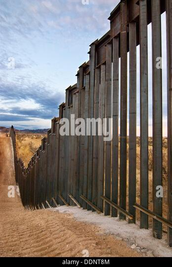 u s mexico border fence The current state of the border fence  terrorists and other national security threats to access the united states from mexico and the rest of central and south .