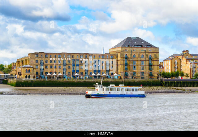 hilton hotel canary wharf london stock photos hilton. Black Bedroom Furniture Sets. Home Design Ideas