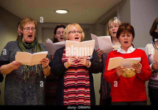 christmas carols female choir