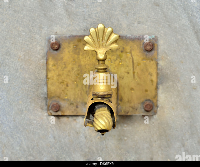 Antique Water Tap Stock Photos & Antique Water Tap Stock Images - Alamy