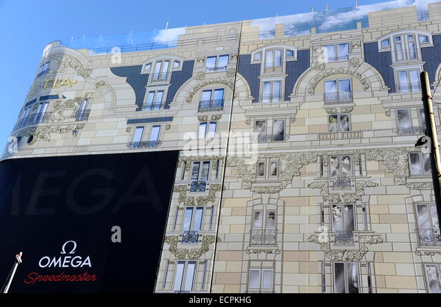 Scaffolding tarpaulin stock photos scaffolding tarpaulin stock images - Hotel lutetia renovation ...