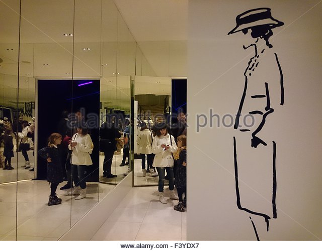Karl Lagerfeld Chanel Stock Photos & Karl Lagerfeld Chanel ...