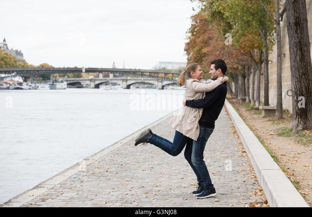 Online dating paris france