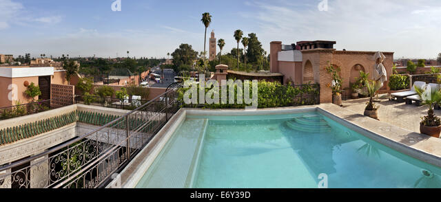 Rooftop terrace swimming pool stock photos rooftop for Rooftop swimming pool