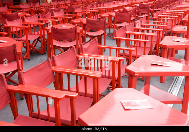Tables chairs in empty bar stock photos tables chairs in empty bar stock images alamy - Pizzeria venecia marbella ...